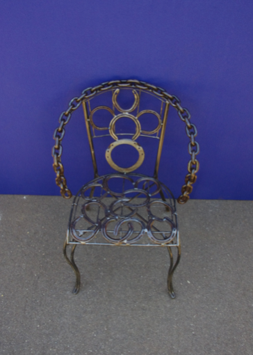 P000104 Horse Shoe Chair