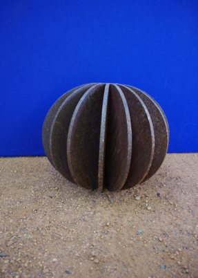 G000132 Solid Ribbed Ball